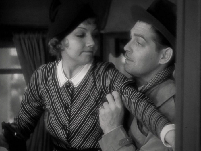 You would not believe how many screenshots I now have of Clark Gable and Claudette Colbert on a bus.