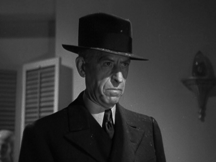 Oh, hey, that's the titular thin man. That the series is named after. Who dies ten minutes into this entry. Whoops.