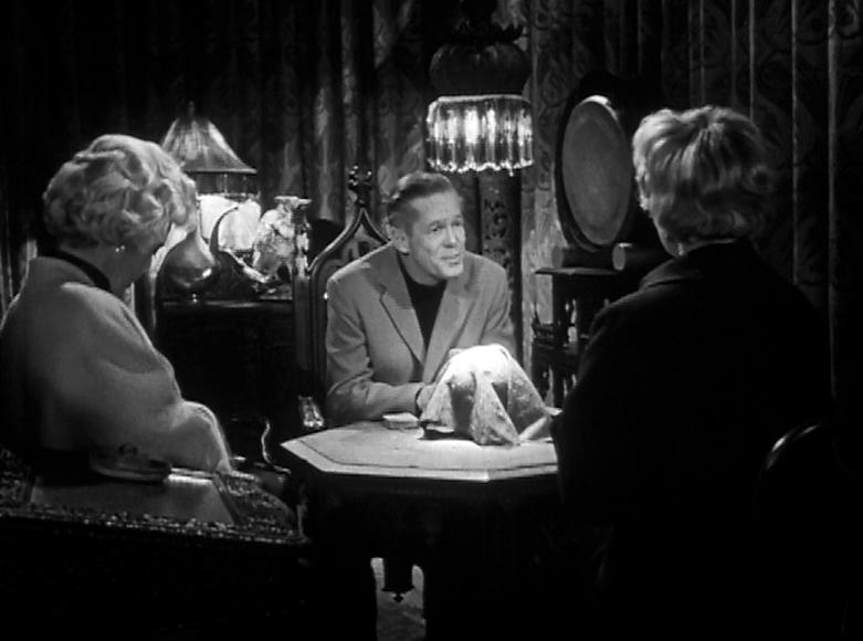 """I'm a nice, honest psychic. No shenanigans here!"""