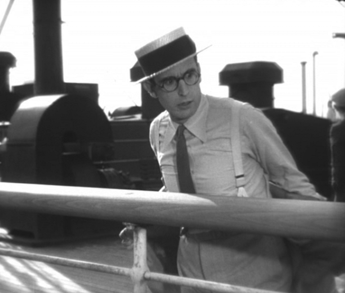 Unfortunately, ladies, Harold Lloyd does not remove his clothes during the duration of the film.