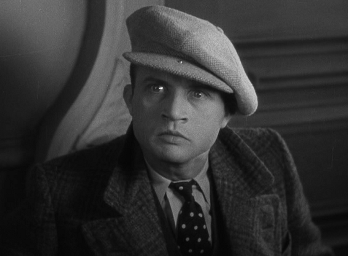 the maltese falcon review With the falcon in his possession, spade calls one final meeting he agrees to turn over the falcon in exchange for a fall guy to get the police off his butt gutman betrays wilmer, agreeing to turn him over to the police, and spade delivers the falcon.
