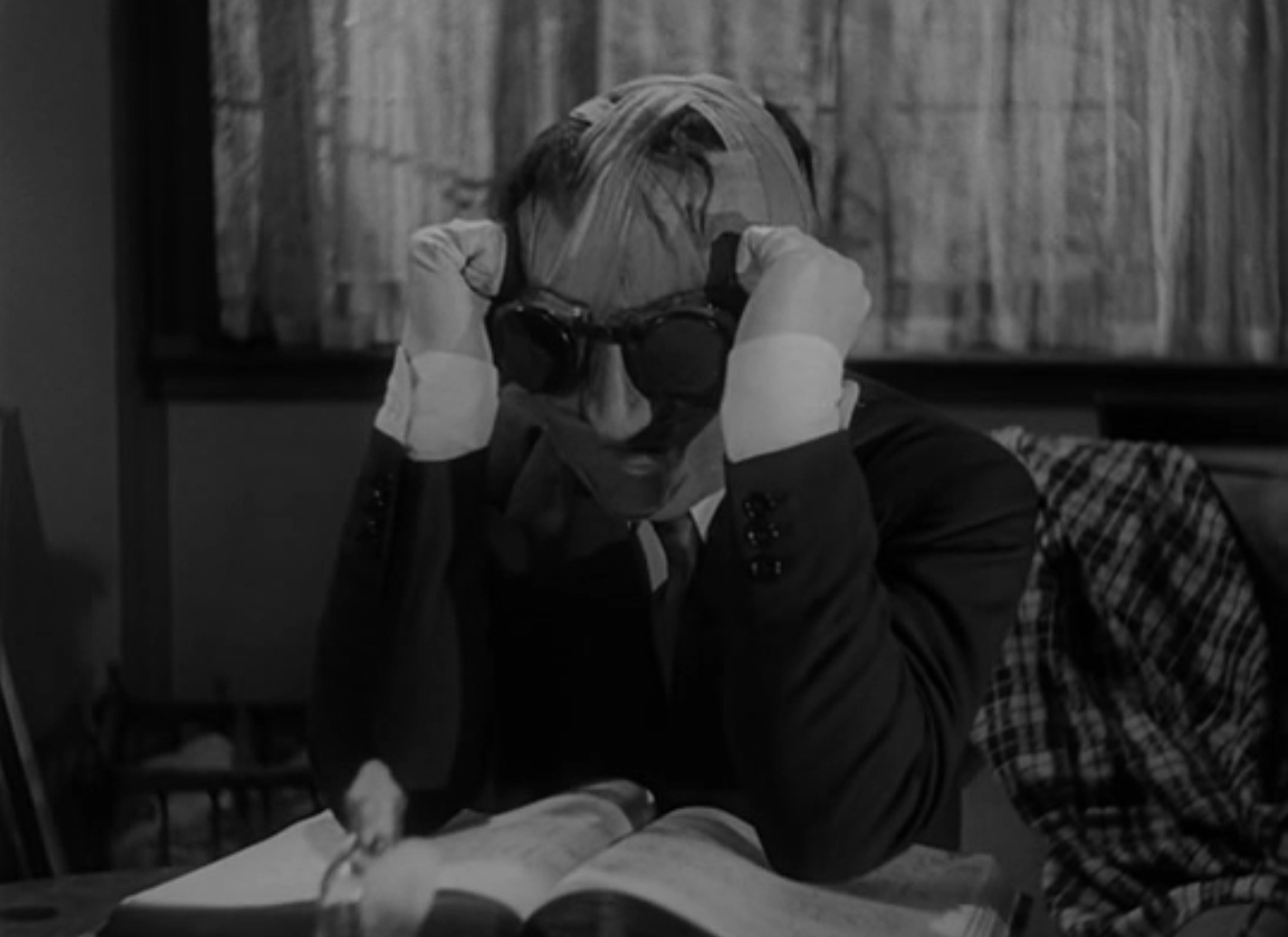 the invisible man 1933 review claude rains and gloria invisibleman9 acircmiddot invisibleman7 acircmiddot invisibleman16