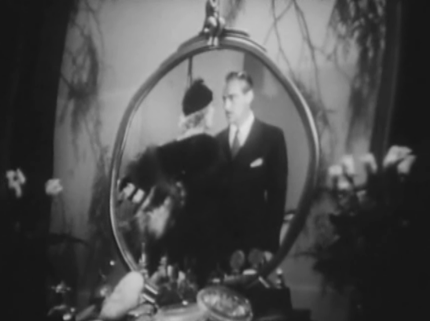 The kiss before the mirror 1933 review with frank for Mirror kisses