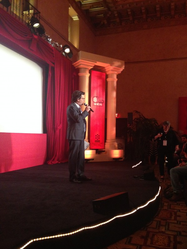 Ben Mankiewicz officially kicks off the opening of Club TCM before rushing off to the Red Carpet.